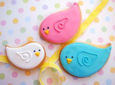 butter hearts sugar: Nesting Birds Baby Shower Cake and Cookies--another cute take on Sweet Sugarbelle's birds