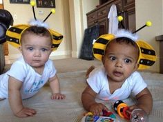 Twins turn heads; they look to be of different races via @USATODAY
