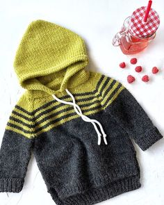 Best 12 Este posibil ca imaginea să conţină: dungi Baby Boy Knitting Patterns, Knitting For Kids, Crochet For Kids, Knitting Designs, Baby Patterns, Knit Patterns, Crochet Baby, Knit Baby Dress, Knitted Baby Clothes