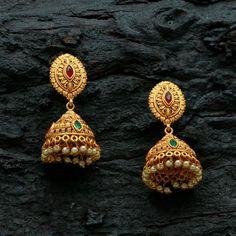 Gold Jhumka Earrings, Gold Bridal Earrings, Jewelry Design Earrings, Gold Earrings Designs, Gold Jewellery Design, Gold Necklace, Bridal Jewelry, Gold Temple Jewellery, Gold Jewelry