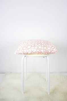 Pleasant 7 Best Fuzzy Stool Images Room Decor Furniture Fuzzy Stool Dailytribune Chair Design For Home Dailytribuneorg