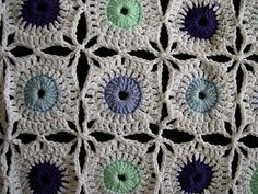 polka dot motif: free crochet pattern