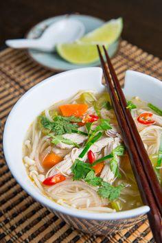 Tom Yum Gai (Thai Hot and Sour Chicken Soup) | closetcooking.com #soup #thai