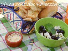 Cinco sentidos na cozinha: Queijo de cabra com azeitonas temperadas com azeit...