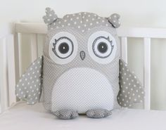 gray owl pillow gray and white pillowgray and by Customquiltsbyeva