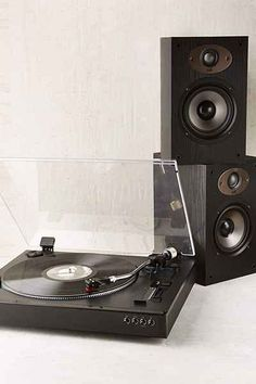 Jensen Professional 3-Speed Stereo Record Player - Urban Outfitters