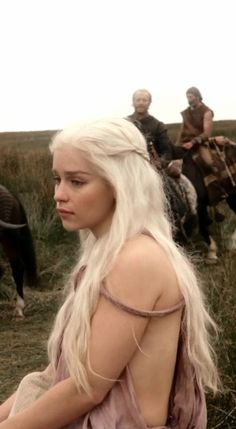 Emilia Clarke ♥ Daenerys Targaryen ♚ Game of Thrones ♚