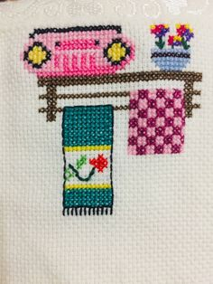 Cross Stitch Embroidery, Hand Embroidery, Cross Stitch Patterns, Unicorn Crafts, Embroidered Towels, Anos 60, Crochet Flowers, Embroidery Stitches, Manualidades