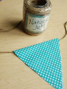 How to Make a Basic Bunting - @ Less Than Perfect Life of Bliss