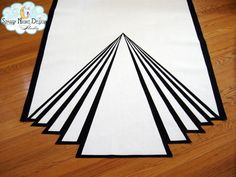 Old Hollywood Glamour in a wedding aisle runner #artdecoaislerunners, #oldhollywoodweddingrunners