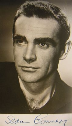 Hollywood Men, Vintage Hollywood, Hollywood Stars, Classic Hollywood, Sean Connery James Bond, Scottish Actors, Kevin Costner, People Of Interest, Jolie Photo