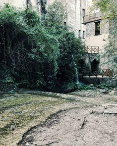 Non ho mai desiderato cosi tanto il fine settimana e voi? Buonanotte anime belle.  Edit with @vscoG3  #buonanotte #goodnight #italia #italy #campania #salerno #landscapephotography #landscape #landscape_lovers #landscape_captures #amazing #awesome #photography #photooftheday #photo #beautiful #bestoftheday #followme #seguitemi #river #vsco #vscoitaly #vscocam #nature #naturelovers #great #wonderful