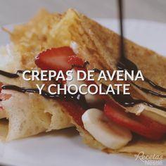 Nada más delicioso que unas crepas de avena y chocolate Köstliche Desserts, Delicious Desserts, Dessert Recipes, Good Food, Yummy Food, Tasty, Mexican Food Recipes, Sweet Recipes, Italian Recipes