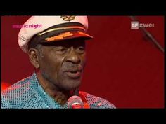 Chuck Berry - Rest In Peace (1926-2017) (AVO Sessions Switzerland 2007) - YouTube Soul Music, My Music, Music Concerts, Rock N Roll Music, Rock And Roll, Chuck Berry Songs, Sunday Music, Blues Artists, Thanks For The Memories