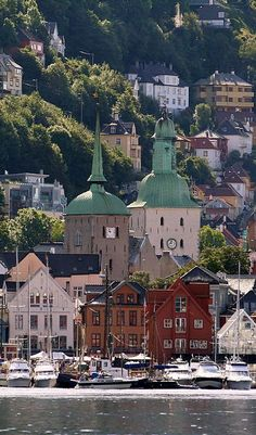 Bergen, Norway   by Jürgen Kurlvink