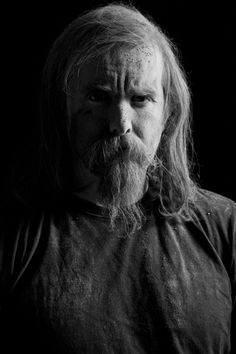 This is Varg Vikernes from Burzum, formerly of Mayhem. He burned down some churches and killed his bandmate. Like many another Norwegian Black Metalers, he's a bit of a racist. Currently on probation! Black Metal, Death Metal, Metal Bands, Rock Bands, Viking Culture, Visual Aesthetics, Metal Girl, Photo Black, Metalhead