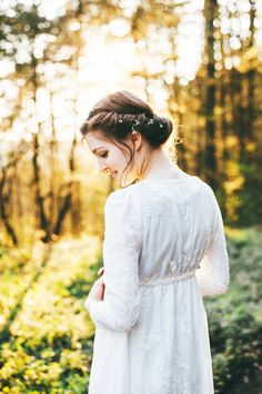 Jane Austen in the forest  - Portrait Photography by Miriam Peuser Photography