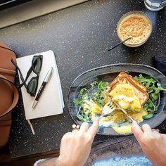 Άλλη μια φορά στον αγαπημένο μου @akis_petretzikis για #brunch .Σήμερα δοκίμασα #croquemadame και ήταν το καλύτερο! #autoprepeinatodokimaseis #domoreofwhatmakesyouhappy #enjoythelittlethings #coffee #mycoffee #polkadotslady #blogger #bloggergram #foodporn #foodies #foodgram #athens #wheninathens #sohappy #sundays #subday #happyday #justthetwoofus