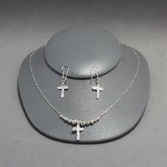 Collar y aretes de cruz de plata. Joyería de moda, necklace in sterling silver, cross