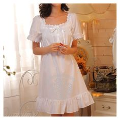 Lolita Fashion, Retro Fashion, Style Fashion, Cute Nightgowns, Night Gown Dress, Nightgown Pattern, Pretty Outfits, Cute Outfits, Vintage Nightgown