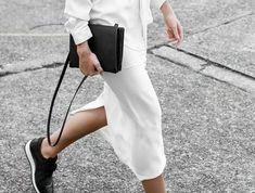 1-basket-noire-femme-sneakers-femme-design-en-blanc-et-noir-femme-elegante