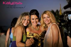Grand Resort Lagonissi Wedding moments with friends and family. Kalypsis events entertainment