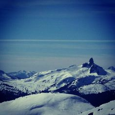 """It was a stunning day at the #peak of #whistler today!  #bc #sundayfunday #nitalakelodge #whistlerpeak #whistlerblackcomb #blueskies #sunnydays #skiing…"""