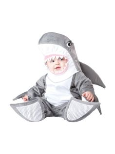 This Halloween, have the cutest little ocean baby ever with this Infant Silly Shark Costume. Does your baby shark have a sister? This cute costume goes great with mermaid costumes too! Baby's First Halloween Costume Ideas - Thrifty Brittany Shark Halloween Costume, Halloween Bebes, Shark Costumes, Baby Halloween Costumes For Boys, Baby First Halloween, Dinosaur Costume, Toddler Costumes, Animal Costumes, Cute Costumes