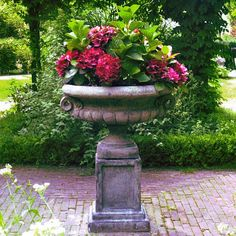 Beige outdoor large urn planters large outdoor planters urns on with hd garden breathtaking urn planter with outdoor plant pots federalpit outdoor Garden Urns … Large Garden Planters, Stone Planters, Urn Planters, Garden Urns, Porch Garden, Container Plants, Container Gardening, Flower Containers, Plant Design