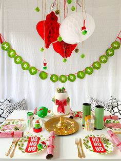 Green Xmas Dinner Lunch Party Talking Tables Christmas Paper Napkins Novelty Sprouts 20 Pack