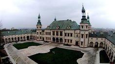 Leyraa-UAVO Zdjęcia i Filmy z drona / Usługi Dron / Licencjonowany Pilot UAVO / Kielce / VBLOS: Pałac Biskupów Krakowskich w Kielcach · Kielce