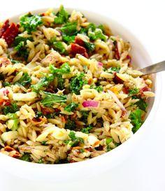 Włoska sałatka z tuńczykiem i makaronem orzo | Słodkie Gotowanie Orzo, Second Breakfast, Fried Rice, Salad Recipes, Grilling, Lunch Box, Food And Drink, Vegetarian, Yummy Food