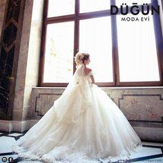 Sizde kabarık modellerden hoşlanırmısınız? #gelinlik #afyon #afyonkarahisar #düğün #dugun #dugunmodaeviafyon #dugunmodaevi #wedding #justmarried #married #nişanlık #nişan #nisan #nisanlik #ayakkabı #aksesuar #moda #gelin #bride #brides #beyaz #white #blonde #gelinler