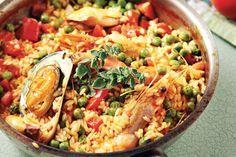 Συνταγή Παέλια με θαλασσινά | mamapeinao.gr | ΜΑΜΑ ΠΕΙΝΑΩ How To Cook Fish, Fish Dishes, Greek Recipes, Paella, Pasta Salad, Seafood, Good Food, Rice, Meat