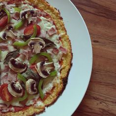 The Best Cauliflower Crust Pizza, no microwave method, great way to trick your kids into eating their veggies too, healthiest cauliflower pizza crust, dukan diet, dukan, dukan recipes, cauliflower pizza crust recipe, healthy eating,