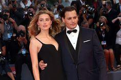Johnny Depp dan Amber Heard bercerai setelah 15 Bulan Menikah