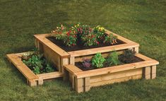 DIY raised garden beds offer big garden opportunities in a small space. Learn to build raised garden beds and create bountiful gardens that put fresh veggies, herbs or cutting flowers right at your fingertips. Elevated Garden Beds, Raised Garden Planters, Raised Bed Garden Design, Garden Planter Boxes, Building Raised Garden Beds, Herb Garden Design, Raised Beds, Raised Gardens, Raised Garden Bed Kits