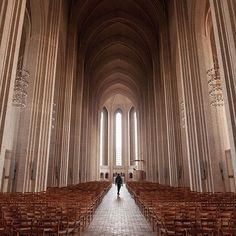 Every once in a while we just like to pop our heads into Grundtvigs Kirke for a moment of quiet and stunning light ✨ 📷 by mikecollinge . . . . . #grundtvigskirke #grundtvigschurch #architecture #danisharchitecture #architecturelovers #architecturedaily #interiors #scandinavianinteriors  #Regram via @BwJmZZ5n709