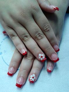 Acrylic nail design #red&white #flower #3d