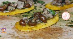 I crostini di polenta con funghi sono un antipasto facile e gustosissimo, potete prepararlo in poco tempo piacerà a tutti ed è facilissimo.