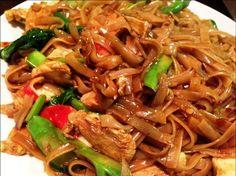 20 Best Thai Drunken Noodles Recipe - Best Recipes Ever Noodle Recipes, Thai Recipes, Healthy Dinner Recipes, Asian Recipes, Vegetarian Recipes, Cooking Recipes, Asian Foods, Super Bowl Menu, Drunken Noodles