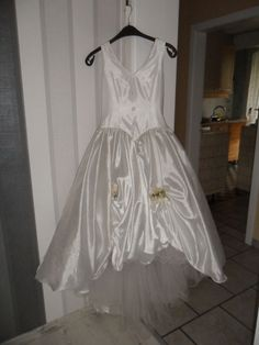 ♥ Wunderschönes Brautkleid von Lohrengel Neu mit Etikett (Neupreis 1250€)  in weiß  gr. 36 ♥  Ansehen: https://www.brautboerse.de/brautkleid-verkaufen/wunderschoenes-brautkleid-von-lohrengel-neu-mit-etikett-neupreis-1250e-in-weiss-gr-36/   #Brautkleider #Hochzeit #Wedding