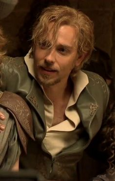 Zachary Levi as Fandral in Thor The Dark World. Holy crap, it does not look like him! No wonder I didn't recognize him!