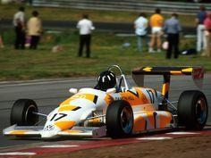 Damon Hill in his Damon Hill, Eddie Jordan, F1 Drivers, Pilot, British, Racing, Cars, Alfa Romeo, Motors