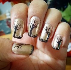 Pin for Later: 101 schaurig-schöne Halloween Nageldesigns Halloween Manikür-Ideen Quelle: Instagram user esanchez81