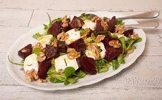 Heb je de walnotenpesto al gemaakt? Dan sta je vast te popelen om met dit recept aan de slag te gaan: bietensalade met geitenkaas!Een heerlijke salade ...