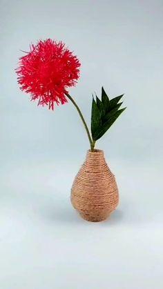 Paper Flowers Craft, Crepe Paper Flowers, Flower Crafts, Diy Flowers, Crepe Paper Crafts, Paper Flower Tutorial, Handmade Flowers, Flower Making, Creative