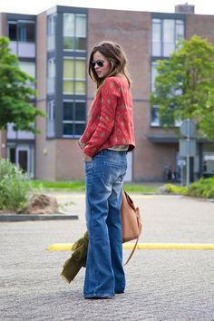 Spring Look Picture Description Fash n Chips: Start of Wide Jeans, Cut Jeans, Jeans Skinny, Streetwear, Boho Fashion, Fashion Outfits, Daily Fashion, Vogue, Mommy Style