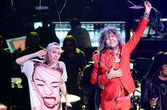 Ouça trecho de nova música de Miley Cyrus em parceria com The Flaming Lips #Cantora, #Cyrus, #Instagram, #Lançamento, #Miley, #MileyCyrus, #Música, #NovaMúsica, #Novo, #Vídeo http://popzone.tv/ouca-trecho-de-nova-musica-de-miley-cyrus-em-parceria-com-the-flaming-lips/