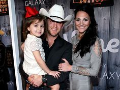 So Cute! Justin Moore Brings Adorable Daughter As His ACCA Date